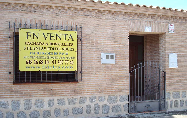 Casa chalet se vende en calle Alsaciana, 8, Ajofrín, Toledo - Fachada principal