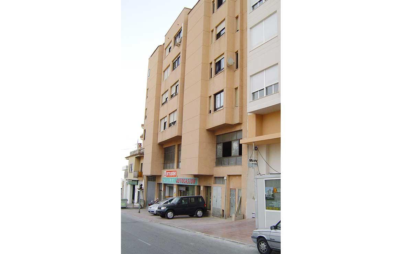 Foto de Local u Oficina en venta Avenida Diputacion 10 Calpe, Alicante. Vista exterior: Fachada y vista calle (1).