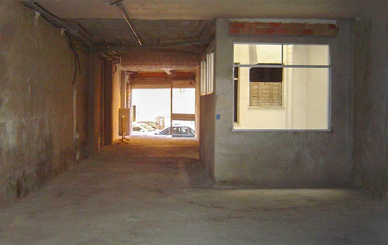 Foto de local u oficina en venta en Avenida Norte 40 Calpe, Alicante. Vista Interior: Fachada y patio de luces.